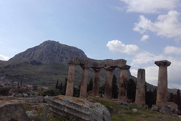 Ancient-Corinth-Temple-of-Apollo